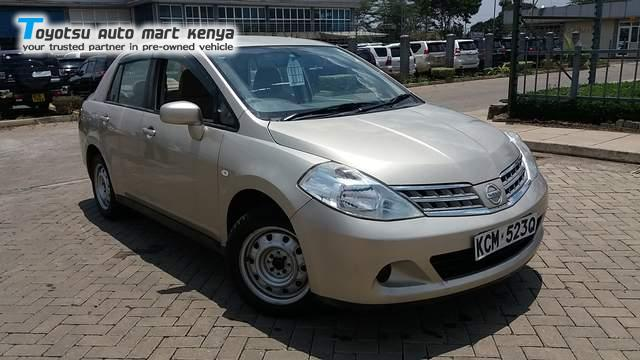 2010 Nissan Tiida Latio | Japanese Used Car Sales Trade-in Service ...